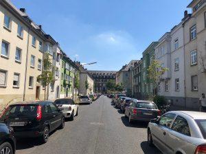 Einblick in eine Straße in der Umgebung