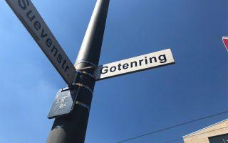 Zwei Straßenschilder: Gotenring und Suevenstraße